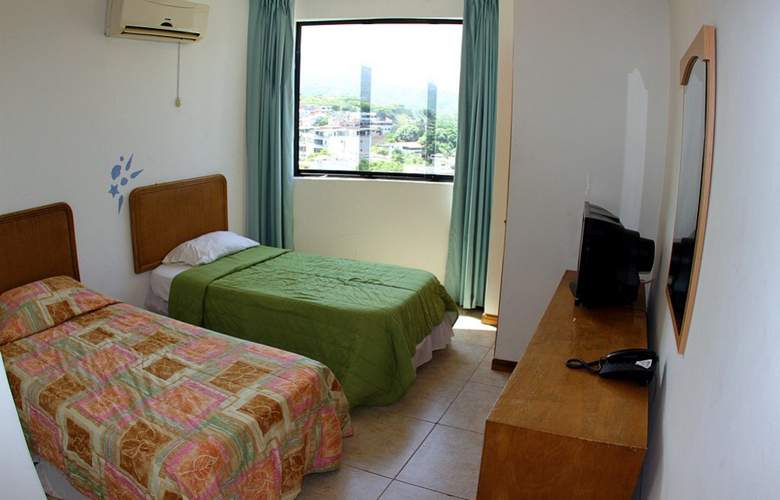 Miramar Suites - Room - 17