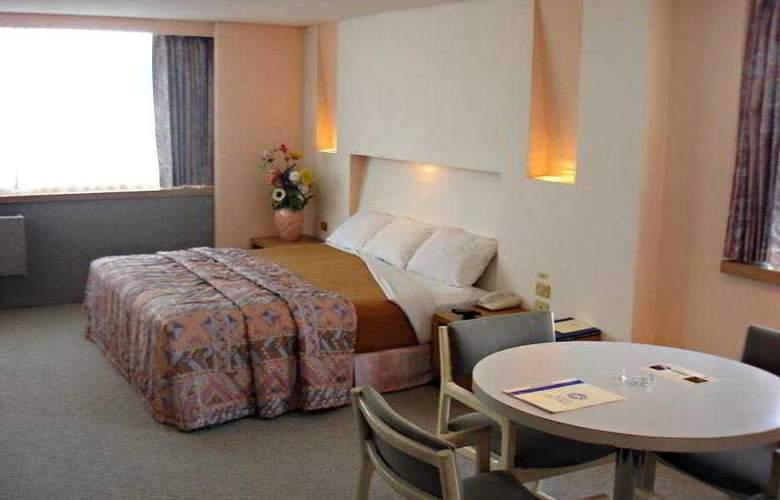 Del Prado - Room - 2