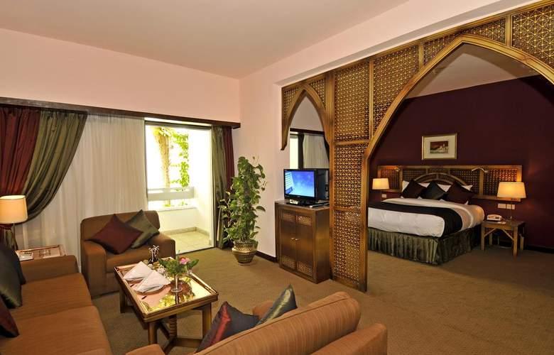 El Luxor - Room - 12
