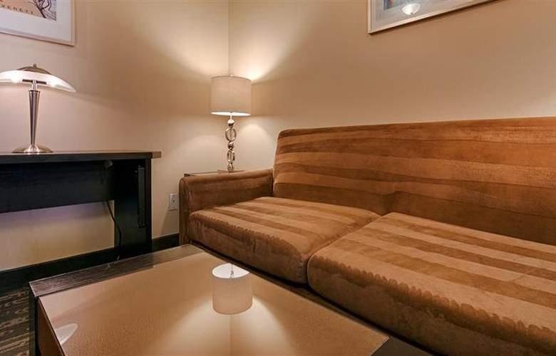 Best Western Plus Navigator Inn & Suites - Room - 17