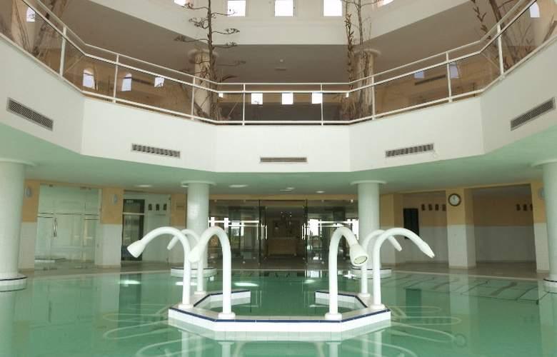 Alhambra Thalasso - Pool - 8