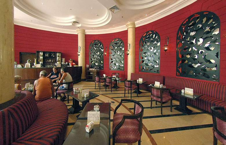 Hilton Long Beach Resort - Bar - 4