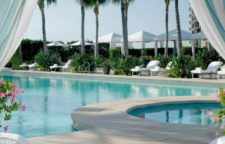 Four Seasons Hotel Miami - Pool - 7
