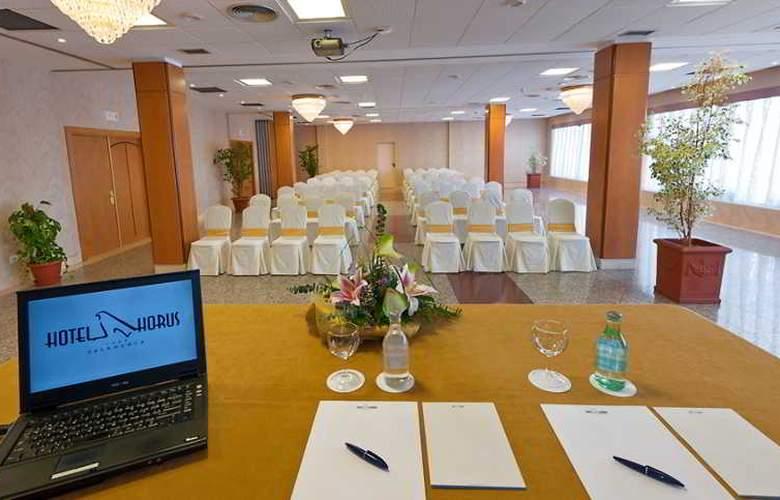 Horus Salamanca - Conference - 7
