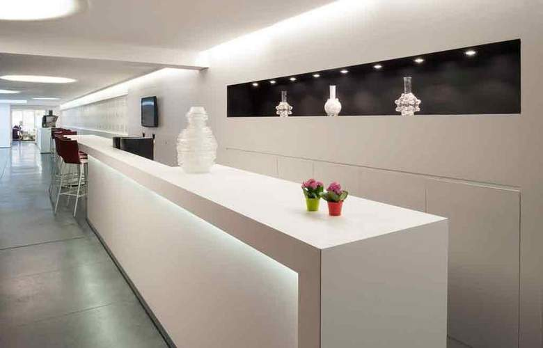 Ibis Styles Brussels Louise - Bar - 23