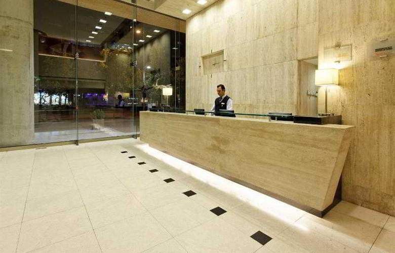 Holiday Inn Express Santiago Las Condes - General - 24