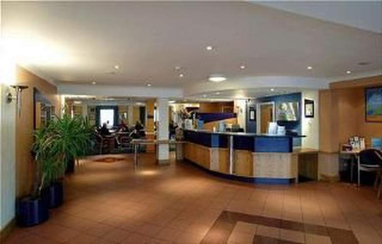 Travelodge Nottingham Em Airport Donington Park M1 - Bar - 2