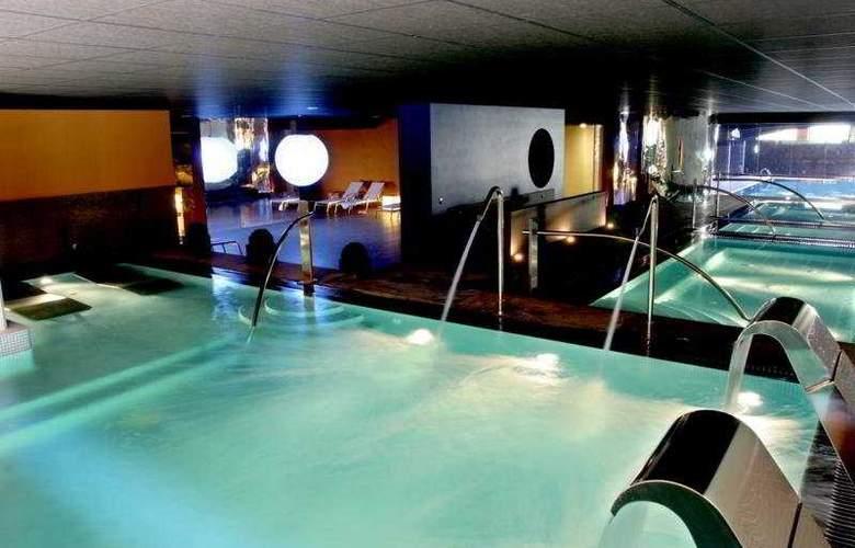 El Montanya Resort & Spa - Pool - 4