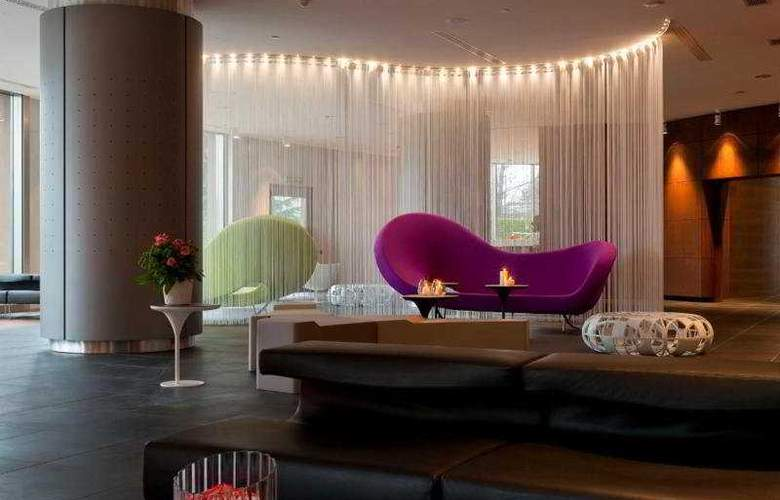 The Hub (Mil) - Hotel - 0