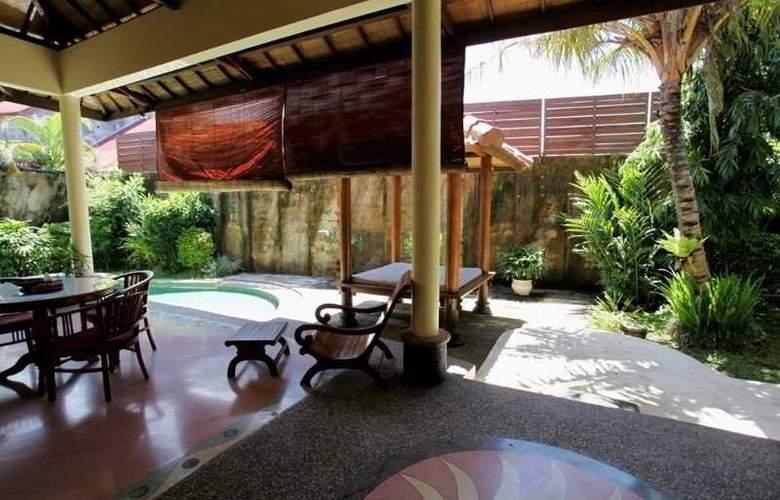 Putri Bali Suite Villa - Terrace - 2