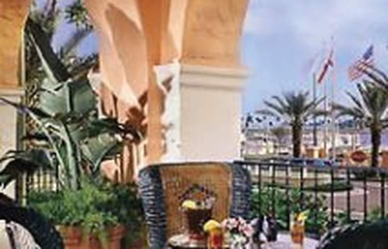 Renaissance Vinoy Resort & Golf Club - Terrace - 3