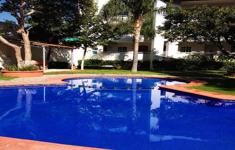 Suites Carolina - Pool - 15