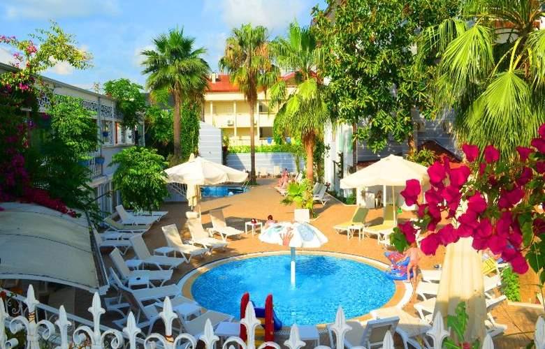 Sunbird Apart Hotel - Pool - 28
