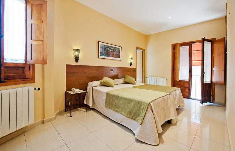 Hotel Sol - Room - 10