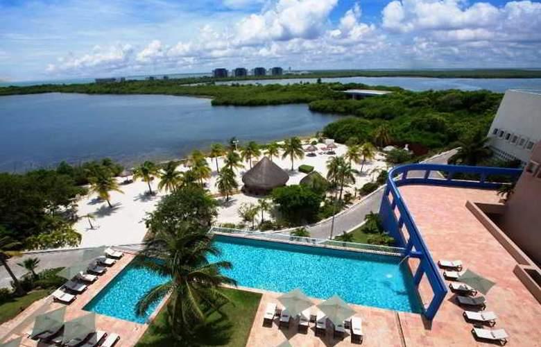 The Westin Resort & Spa Cancun - Pool - 28