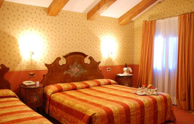 Riviera - Room - 4