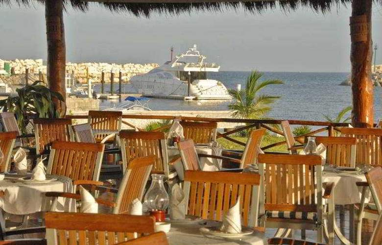 Marina El Cid Spa & Beach Resort Premium AI - Restaurant - 11