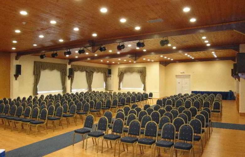 Skala - Conference - 17