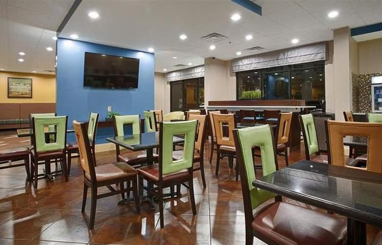Best Western Bradbury Suites - Restaurant - 118