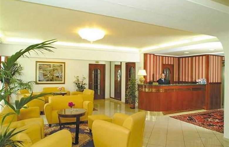 Park Hotel Capomulini - General - 1