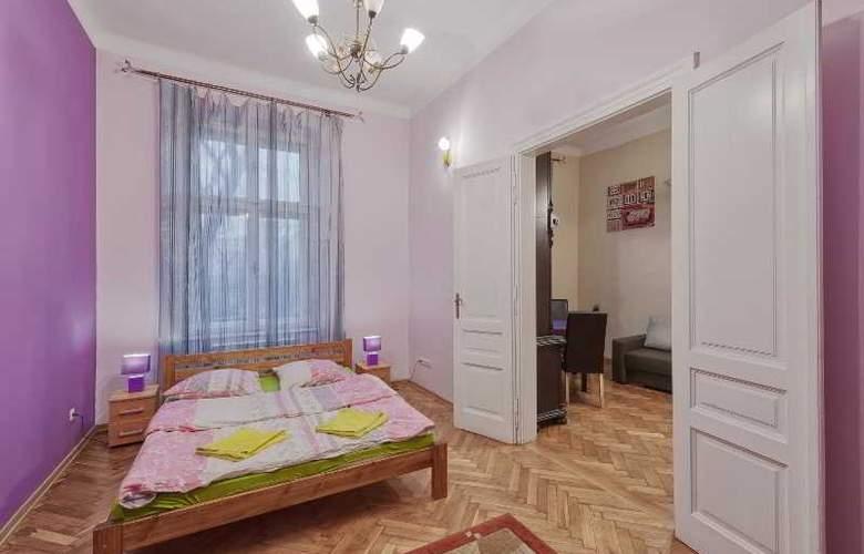 Queens Apartments - Room - 7