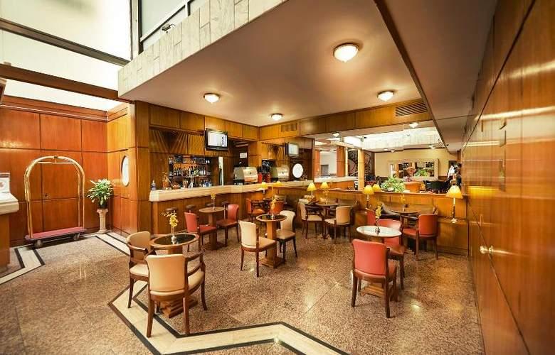 Balmoral Plaza - Bar - 15