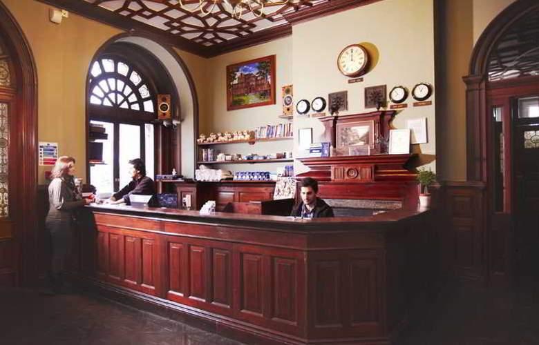 Palmers Lodge - General - 8