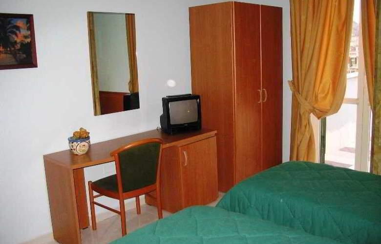 Garden Hotel - Room - 6
