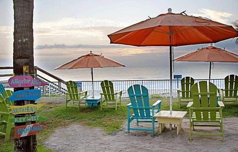 Holiday Inn Hotel & Suites Vero Beach-Oceanside - Hotel - 3