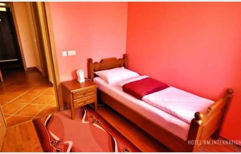 BM Interational Hotel - Room - 3