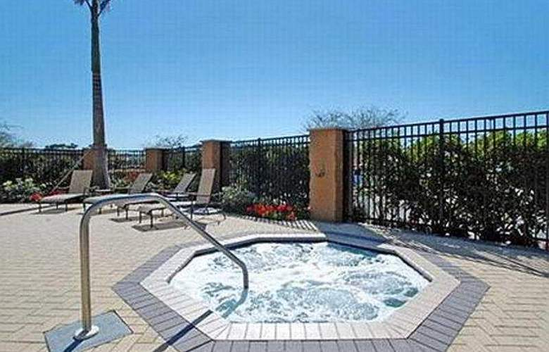 Comfort Suites University park sarasota - Pool - 9