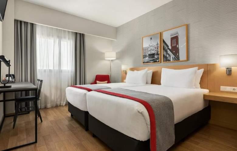 Ramada by Wyndham Madrid Getafe - Room - 11