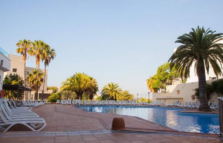 Ola Aparthotel Tomir - Pool - 1
