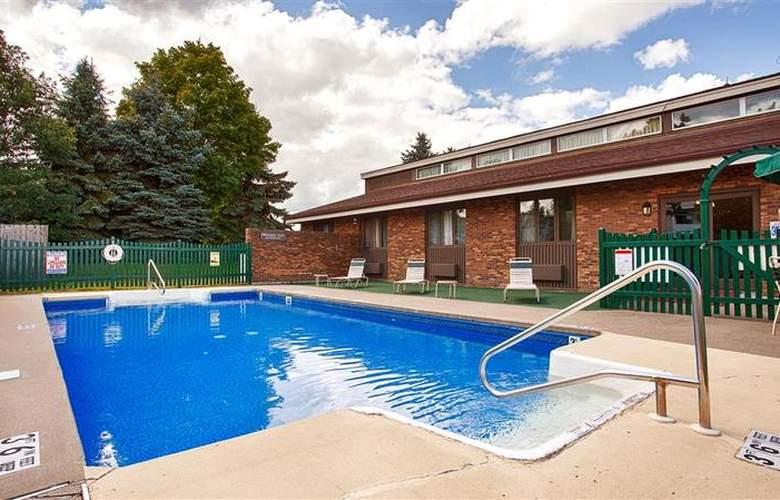 Best Western University Inn - Pool - 22