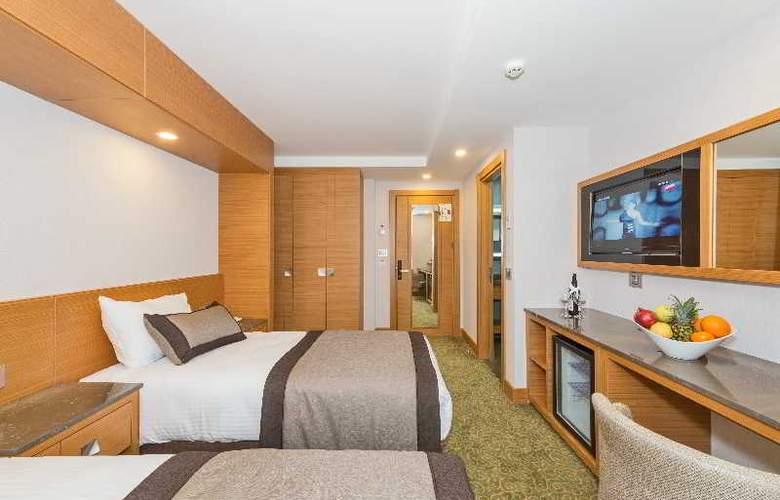 Bisetun Hotel - Room - 9
