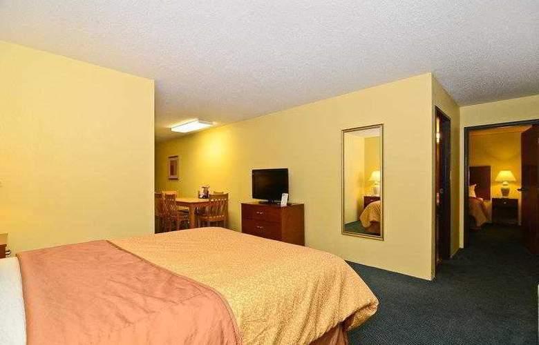 Best Western Ambassador Inn & Suites - Hotel - 42