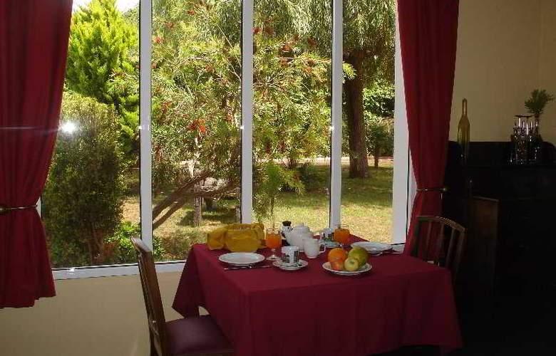 Inn & Art Casa de Chá dos Prazeres - Restaurant - 14