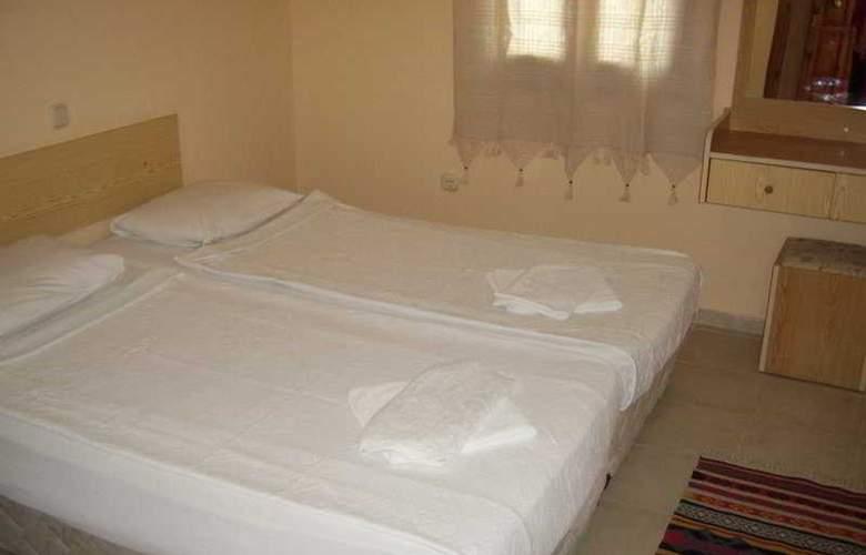 Basri - Room - 1