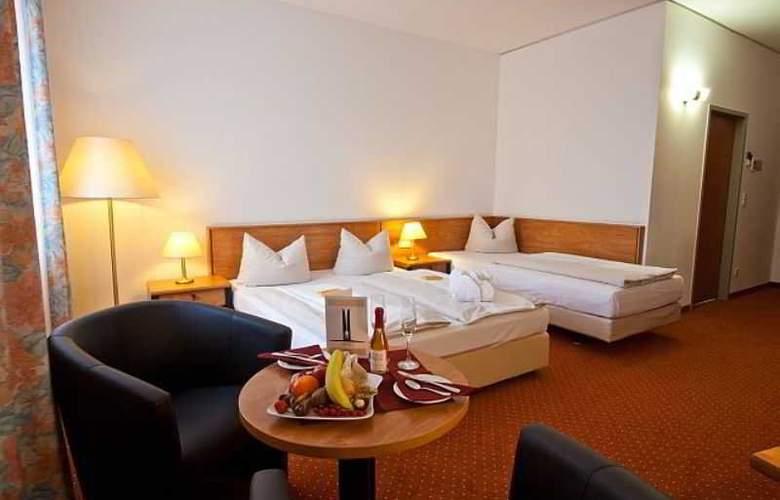 Novina Sudwestpark Hotel - Room - 10