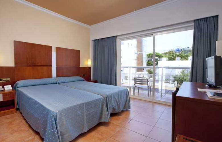Simbad - Room - 15
