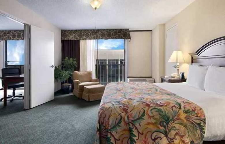 DoubleTree by Hilton Midland Plaza - Hotel - 0