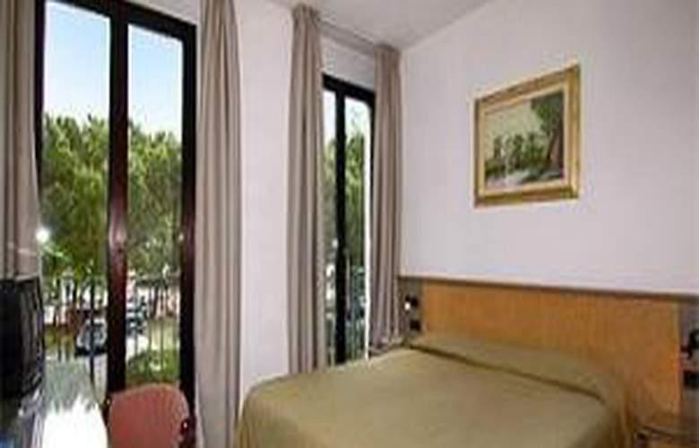 Plaza - Hotel - 3
