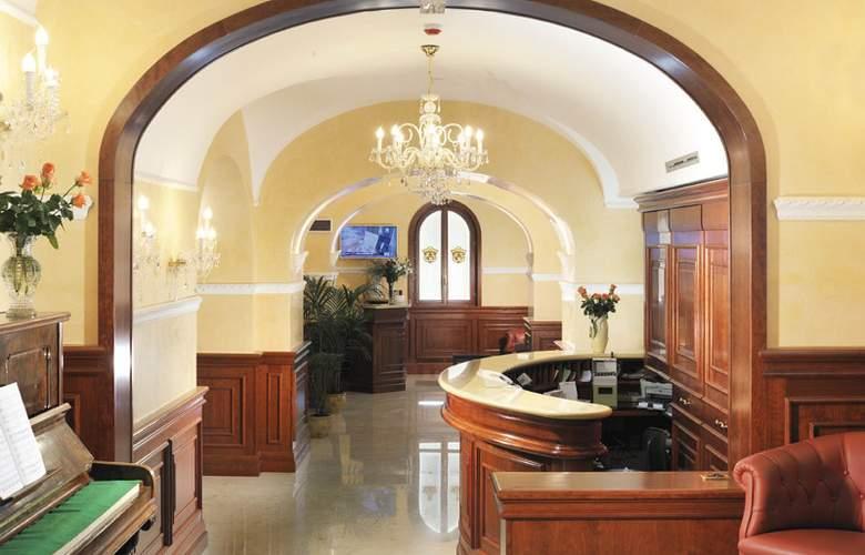 Clarion Collection Hotel Principessa Isabella - General - 1