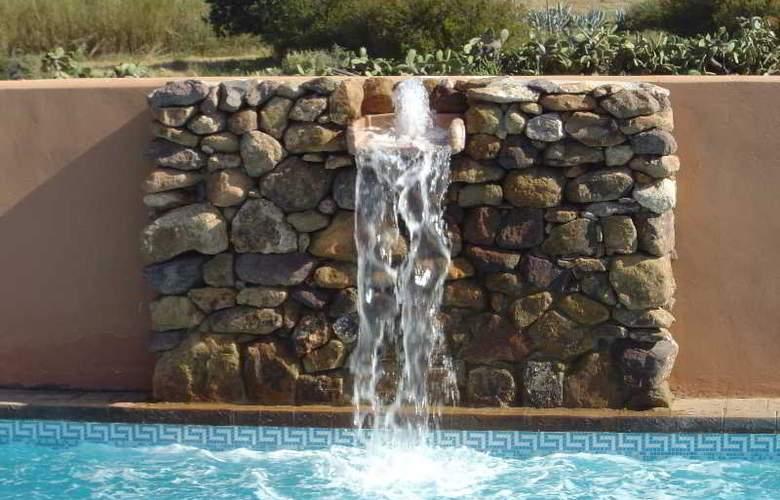 Hotel de Naturaleza Rodalquilar Spa Cabo de Gata - Pool - 10