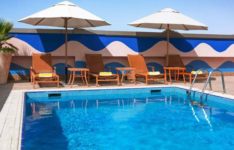 Time Opal Hotel Apartments - Pool - 13