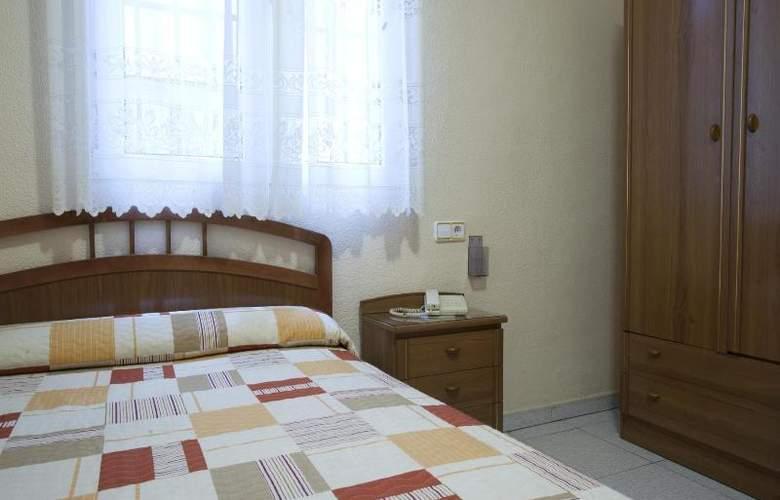 Hostal Maria Luisa - Room - 12