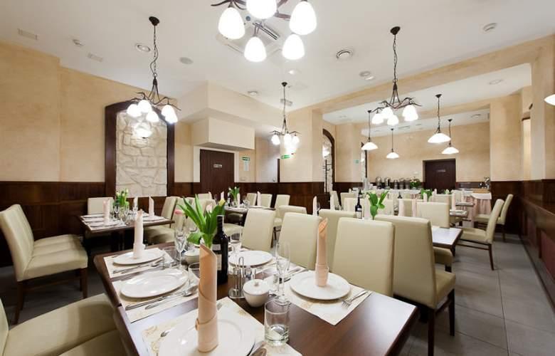 Alexander II - Restaurant - 6