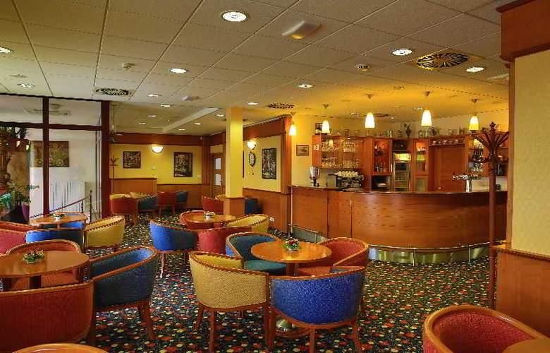 Primavera Hotel & Congress Centre - Bar - 15