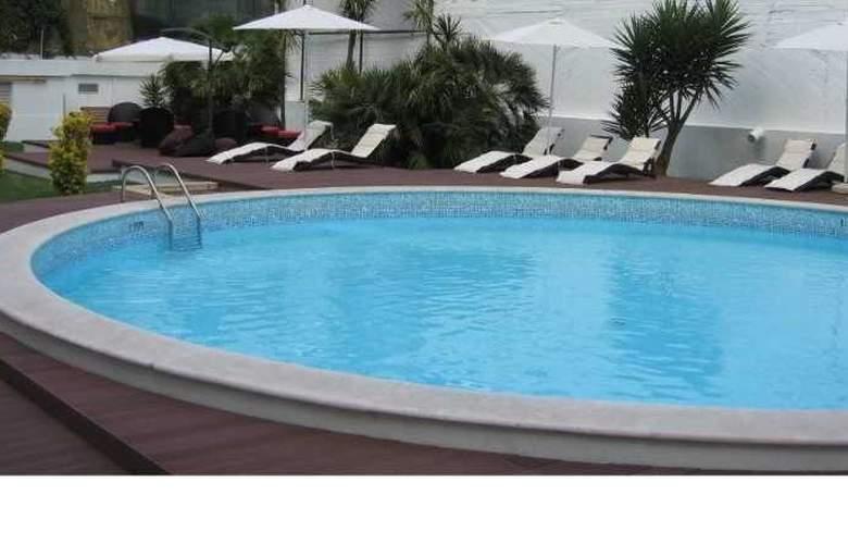 Clarion Suites Lisboa - Pool - 5