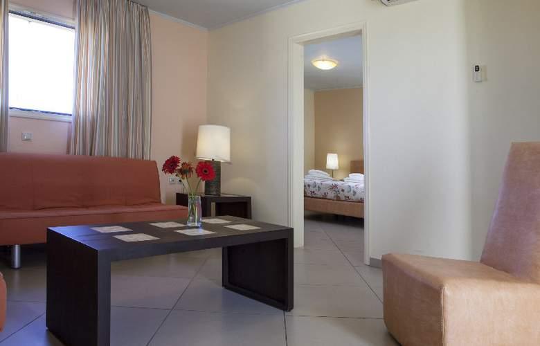 Princess Hotel - Room - 9